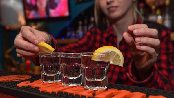 Невские новости «Начинающие бармены, повара и официанты Петербурга посоревнуются в мастерстве»